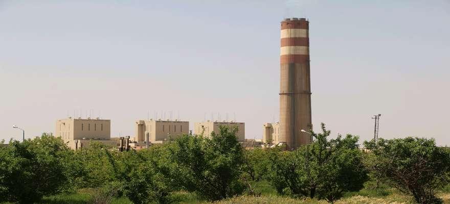 نمونه گیری روغن ترانس های نیروگاه شهید مفتح