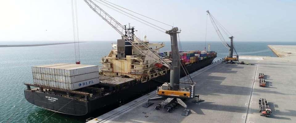 ۳۵ پروژه بزرگ دریایی و بندری آماده افتتاح است
