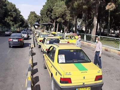 نصب پوستر هفته فرهنگی قزوین بر روی بیش از هزار تاکسی ناوگان تاکسیرانی قزوین
