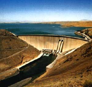 ۶۱% ظرفیت مخازن سدهای ایران خالی است
