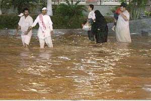 بارندگی های سیل آسا در عربستان مدارس جده را به تعطیلی کشاند