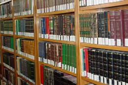 اهدای ۱۰۰۰ جلد کتاب به مجتمعهای مسکونی اصفهان