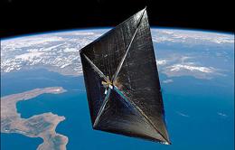 اولین کشتیرانی خورشیدی مداری آغاز شد/ فضاپیمای بادبانی در مدار زمین