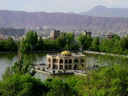 نمایشگاه دستاوردهای تبریز ۹۰ گشایش یافت