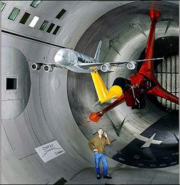 سفر به درون بزرگترین تونل بادی دنیا/ سرعت باد ۱۲ برابر صوت