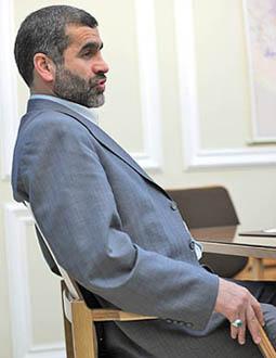وزیر مسکن در ساختمان ۱۵ طبقه وزارت راه مستقر شد
