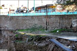 خطر ریزش سازه های آبی شوشتر به دلیل شکاف دیواره رودخانه گرگر
