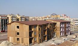 ساخت و ساز خانههای چوبی در پرند ادامه دارد