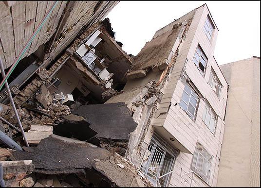 مشکل شهرداری در خصوص ریزش ساختمان سعادتآباد برطرف شد