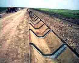 اجرای شبکههای آبیاری در ۷۰ هزار هکتار از اراضی خوزستان