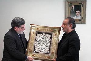 حمید بهبهانی استاد نمونه شد/ تقدیر رئیس جمهور از وزیر سابق