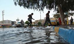 سیلاب در طرقبه شاندیز توسط بند سنگ ملاتی مهار شد