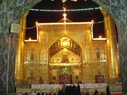آبادانیها از درب ورودی حرم امام علی استقبال می کنند
