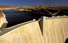 اولین سد قوسی شهرستان میانه آماده آبگیری شد