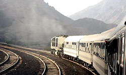 قطار ملایر کرمانشاه خرداد ۹۲ روی ریل میافتد