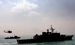 مانور مشترک مقابله با آلودگی نفتی و جستوجو و نجات دریایی برگزار شد