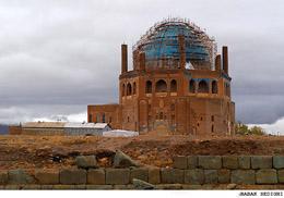 مسکن مهر تهدیدی برای گنبد سلطانیه