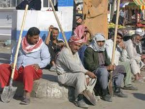دیدار محسن رضایی با کارگران کنار خیابان
