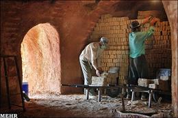 تاخیر احمدینژاد، ابلاغ لاریجانی/ بیمه کارگران ساختمانی اجباری شد