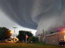 طوفان امارات را درنوردید