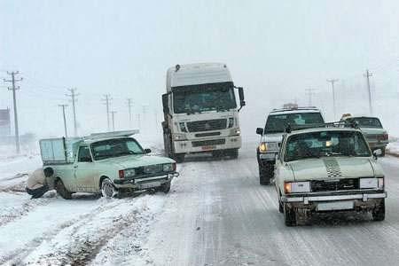 اسکان اضطراری مسافران گرفتار در برف در مسیر تربت حیدریه - مشهد