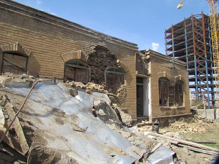عمارت جواهری همدان تخریب شد