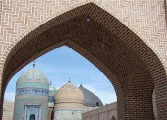 احیای سردر تاریخی بقعه و میدان عالی قاپو/ فرش شیخ صفی به اردبیل می آید