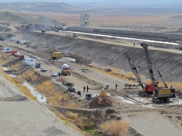 سد نهب تا سه سال آینده آماده بهره برداری می شود/ مدیریت آب قزوین جهادی است