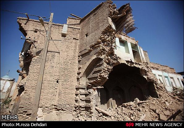 ریزش آوار ساختمان مسکونی قدیمی در سنقر ۴ نفر را به کام مرگ کشاند/ ۴ نفر زخمی شدند