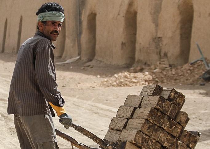 توجه به ایمنی در کارگاه های ساختمانی و آموزش کارگران حوادث را کاهش می دهد