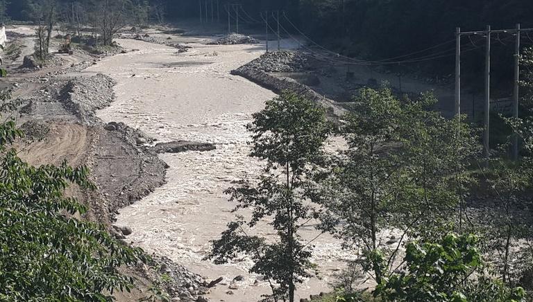 در اغلب مناطق گیلان سیل جاری شده است