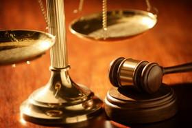 صاحبان امضای طلایی خود را مصون از قانون ندانند