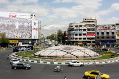 سفارش طراحی المان برای میدان انقلاب
