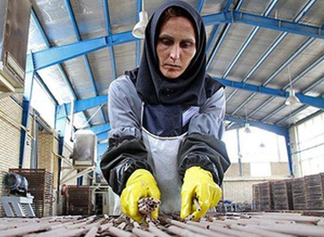 راه برای بازنشستگی زنان کارگر باز شد