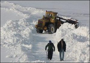 برف راه ۲۹ روستای همدان را بست