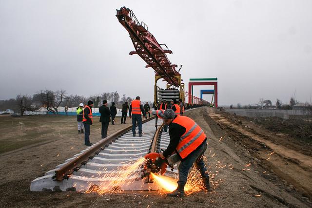 عملیات آخرین پل راهآهن قزوین ـ رشت آغاز شد