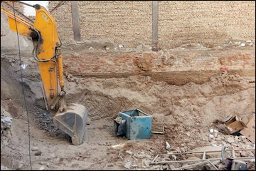 ریزش ساختمان بدلیل گودبرداری غیر اصولی در گیشا - تهران