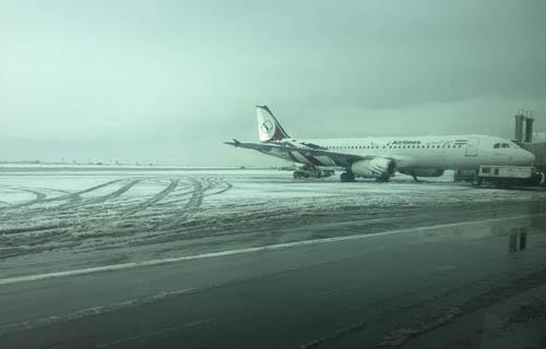 برف پروازهای فرودگاه امام (ره) را متوقف کرد
