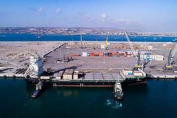 بسته های تشویقی دروازه ملل برای صاحبان کالا و خطوط کشتیرانی/ تخفیفات بی نظیر بندر چابهار در زنجیره حمل و نقل دریایی/ از تخفیفات ۸۷ درصدی هزینه انبارداری تا معافیت ۱۰۰ درصدی در تخلیه کانتینرهای خالی