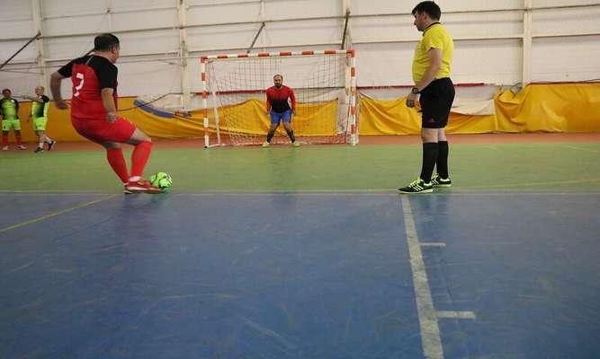 تیمهای برتر فوتبال گرامیداشت چهلمین سالگرد دفاع مقدس مشخص شدند