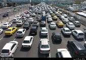 کاهش ۱.۲ درصدی تردد وسایل نقلیه در جادهها/ ترافیک نیمهسنگین در جاده چالوس