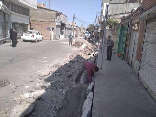 آغاز عملیات جدولگذاری خیابان نهضت قراملک به طول ۲۰۰ متر