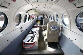 راهاندازی نخستین آمبولانس هوایی در ایلام/ ادامه توقف پروازها از فرودگاه ایلام به مقصد عراق