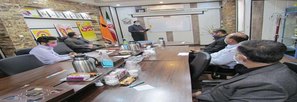 نشست ویژه و تخصصی سازمان تاکسیرانی و شرکت تعاونی تاکسیرانان برگزار شد