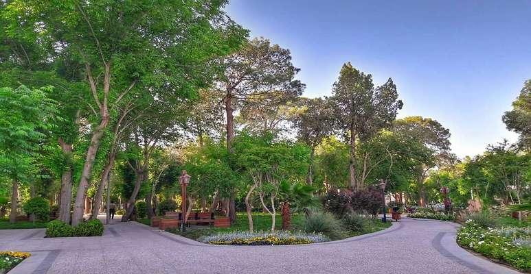 پارک باغ ملی اولین پارک...