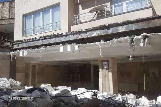 تخریب یک واحد غیرمجاز در حوزه شهرداری منطقه ۲