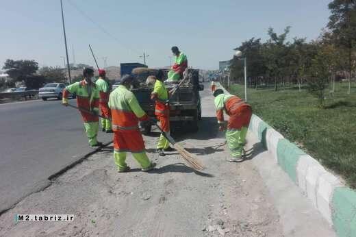 تداوم پاکسازی کلی اتوبان شهیدکسائی از سوی شهرداری منطقه ۲