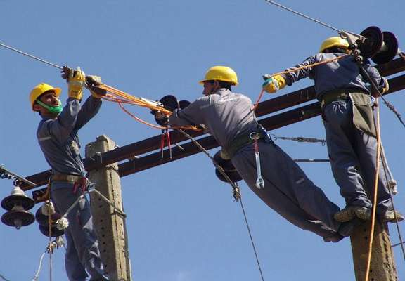 مُدیر برق شهرستان بهمئی در استان کهگیلویه و بویراحمد: اجرای 2 پروژه کاهش نرخ تلفات انرژی در پنج روستای بهمئی