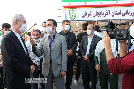 بازدید شهردار منطقه ۲ تبریز از نمایشگاه دستاوردهای دفاع مقدس