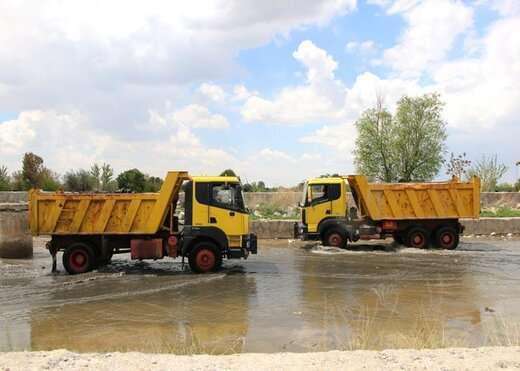 پاکسازی و لایروبی ۲۰ کانال و آبرو توسط خدمات شهری منطقه ۴ تبریز